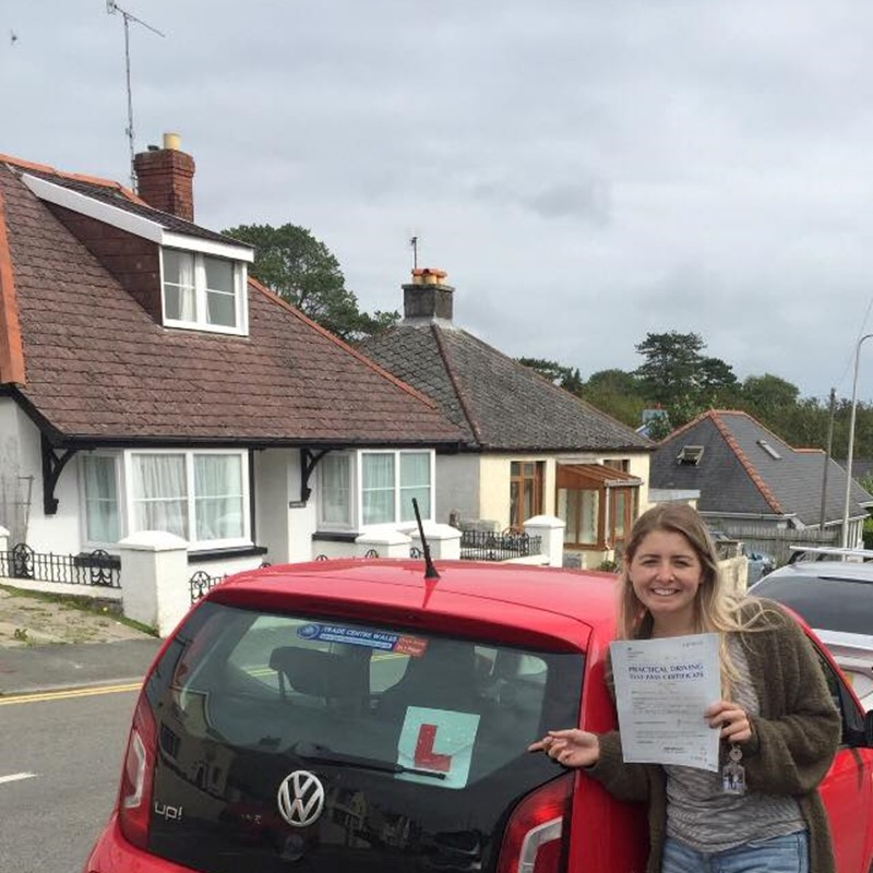 Hanna Brown from Tenby Review of Fast Track Driving School